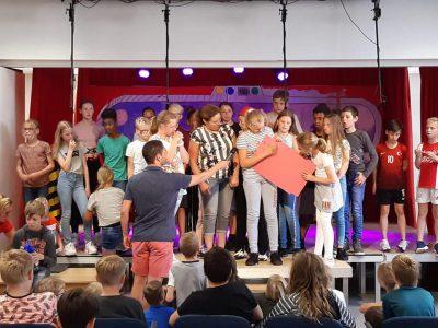 OBS De Hoeksteen haalt 791,05 op voor Dierenambulance West-Friesland